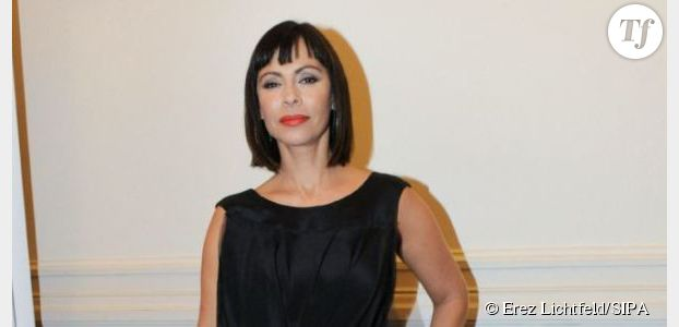 Crossing Lines : Mathilda May trouve Donald Sutherland très charmeur