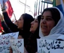 """Attaques à l'acide et loi sur les """"bonnes mœurs"""", les Iraniennes prises pour cible"""