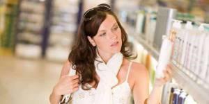 Mais pourquoi donc les femmes paient plus cher que les hommes au supermarché ?