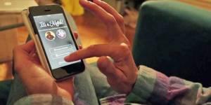 Love me Tinder : la drague géolocalisée sur France 4 Replay