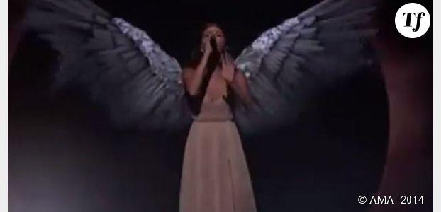 AMA 2014 : Selena Gomez envoûte le public – Vidéo Replay