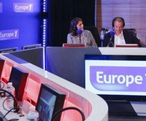 Cyril Hanouna recrute Michèle Laroque et Nelson Montfort sur Europe 1