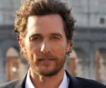 Il sort du coma et se prend pour Matthew McConaughey
