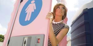 Pourquoi il y a-t-il toujours la queue dans les toilettes des dames ?