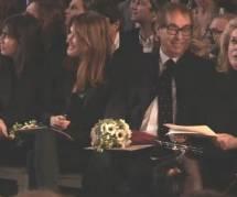 Quand Carla Bruni, survoltée à la Fashion Week, exaspère Catherine Deneuve (Vidéo)