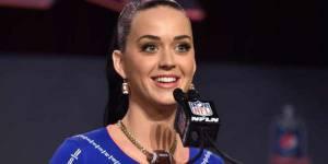 Super Bowl 2015 : Katy Perry sur scène avec un lion et des requins ?