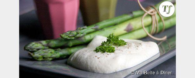 Cuisiner les légumes de saison : asperges sauce fraîcheur