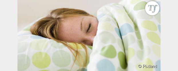 Sommeil toutes les astuces pour bien dormir terrafemina - Comment positionner son lit pour bien dormir ...