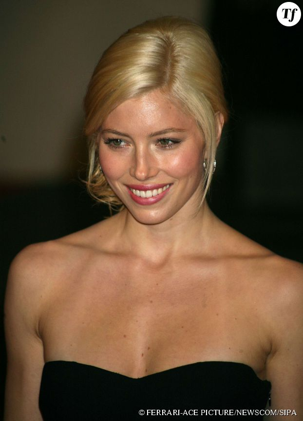 Jessica Biel blonde aux Orange British Academy Film Awards 2008