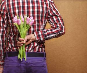 Les hommes tomberaient plus souvent amoureux que les femmes (en fait)