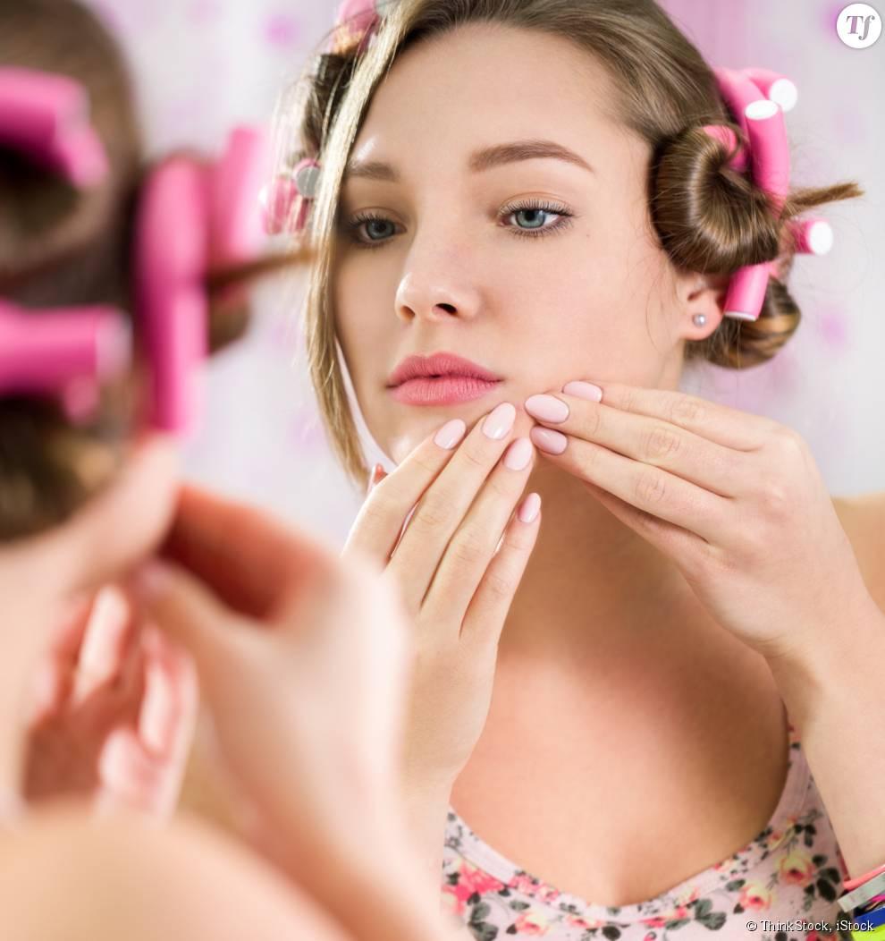 Certains gestes de notre routine beauté sont en réalité très mauvais pour la peau du visage.