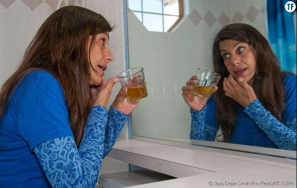 L'urine possède des propriétés bénéfiques pour la santé. De plus en plus de femmes l'utilisent dans le cadre d'une urinothérapie.