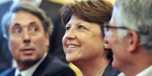 Martine Aubry signe le Pacte pour l'Egalité hommes/femmes