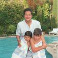Simone Veil avec ses petits-enfants.