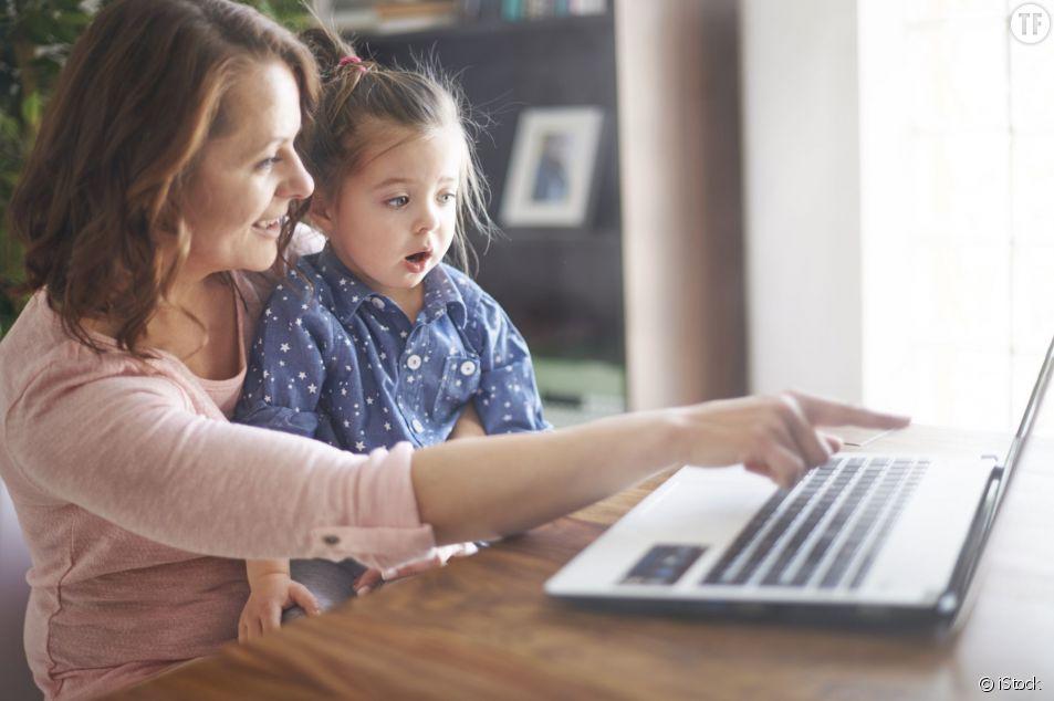Les filles dont les mères travaillent sont plus épanouies au travail