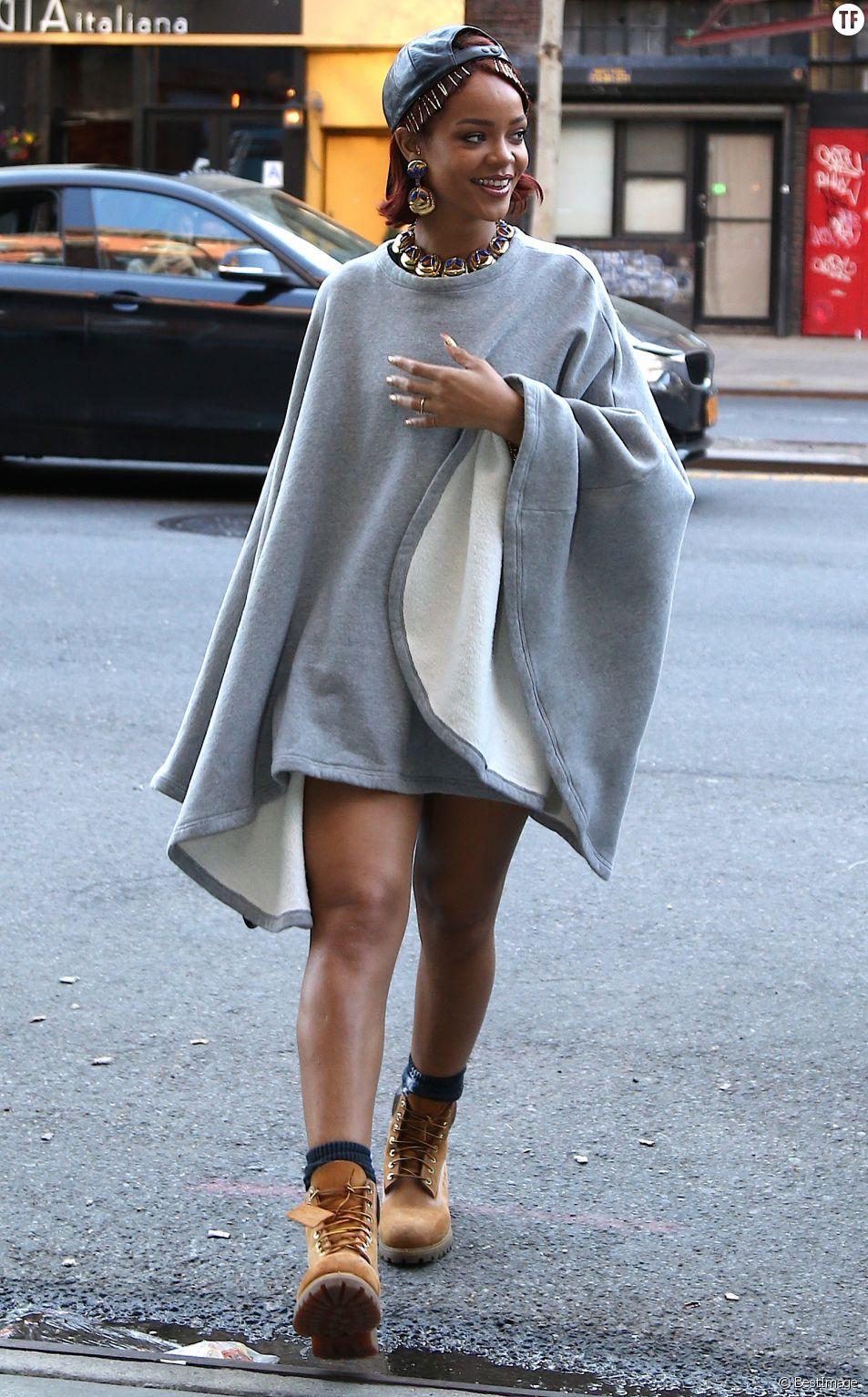 Rihanna se promène dans les rues de New York le 6 mai 2015.
