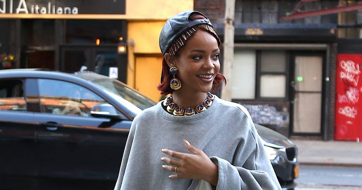 315862da116 L évolution mode de Rihanna   ses 20 looks les plus provoc  - Terrafemina