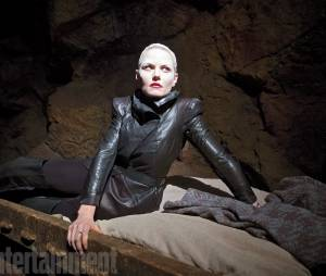 Once Upon a Time saison 5 : premières photos de Dark Emma et spoilers terrifiants
