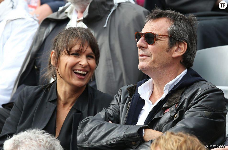 Jean-Luc Reichmann et sa femme Nathalie - People dans les tribunes des Internationaux de France de tennis de Roland Garros à Paris. Le 31 mai 2015.