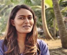 Ishita Malaviya, la première surfeuse indienne qui veut mettre les femmes sur les planches
