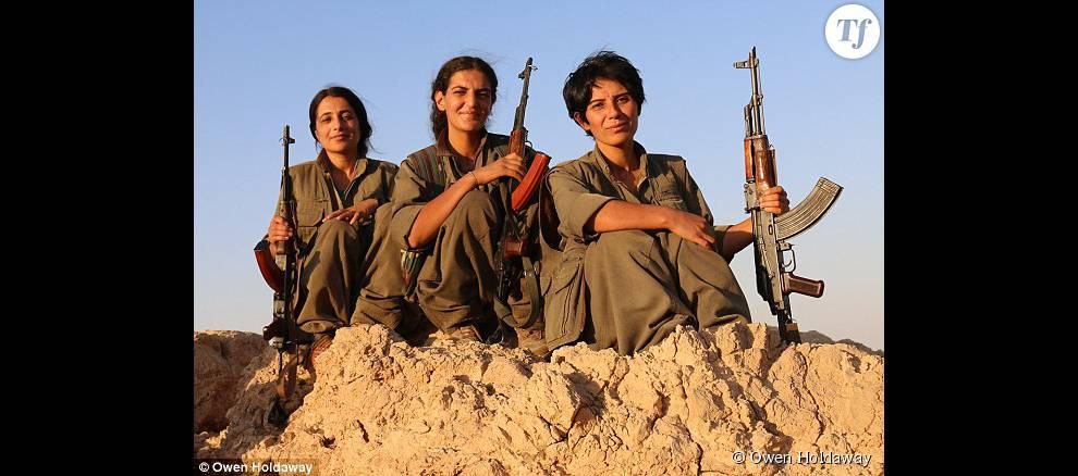 Un escadron de femmes contre l'Etat islamique 337712-de-gauche-a-droite-raparin-roza-et-990x0-5