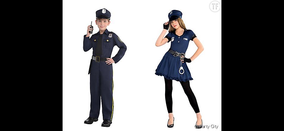 Une américaine a été profondément agacée par les différences entre les costumes pour filles et ceux pour garçons.