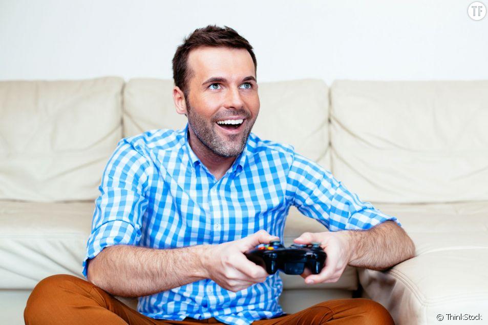 Avoir un mec accro aux jeux vidéo ? Elle en a eu marre !