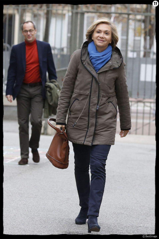 Valérie Pécresse et son mari Jerôme - Candidate en Ile de France aux éléctions régionales, Valérie Pécesse se rend à son bureau de vote, en compagnie de son mari, à Versailles, le 6 décembre 2015. © Alain Guizard / Bestimage