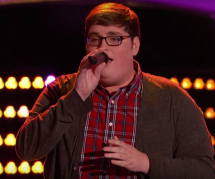 "Jordan Smith : qui est le gagnant de ""The Voice"" qui surpasse Adele ?"