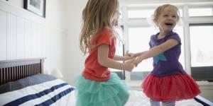 12 signes qui prouvent que vous êtes la petite dernière de la famille