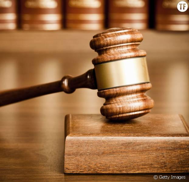 """""""Avez-vous essayé de fermer vos jambes ?"""" : la question inadmissible d'une juge à une victime de viol"""