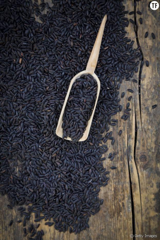 Le riz noir, dont sont extraits les anthocyanines du pain violet