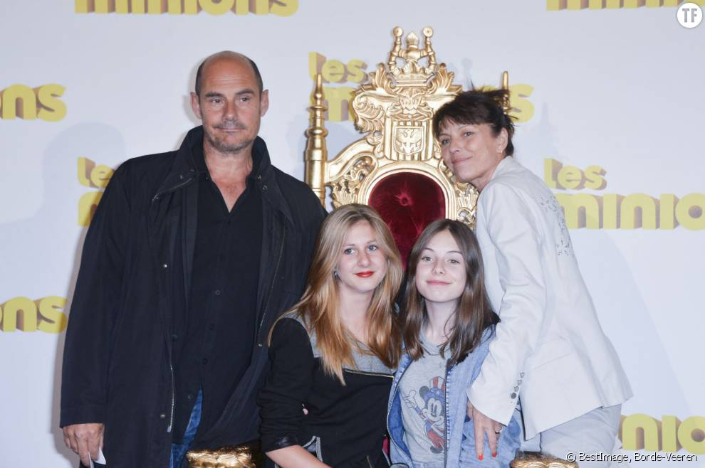Bernard Campan, sa femme, et leurs deux filles Loan et Nina