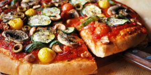 6 astuces gourmandes pour upgrader une pizza surgelée