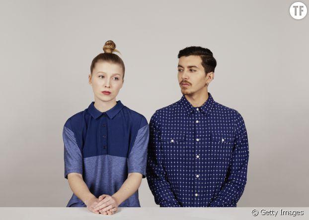 Pourquoi les boutons des chemises pour homme et pour femme ne sont-ils pas du même côté ?