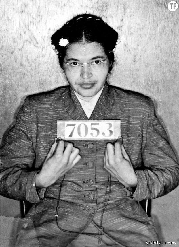 Rosa Louise McCauley Parks (1913-2005) arrêtée le 1er décembre 1955 pour ne pas avoir voulu céder son siège de bus à un passager blanc à Montgomery, Alabama.