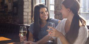 4 astuces étonnantes pour éviter la gueule de bois quand on boit du vin