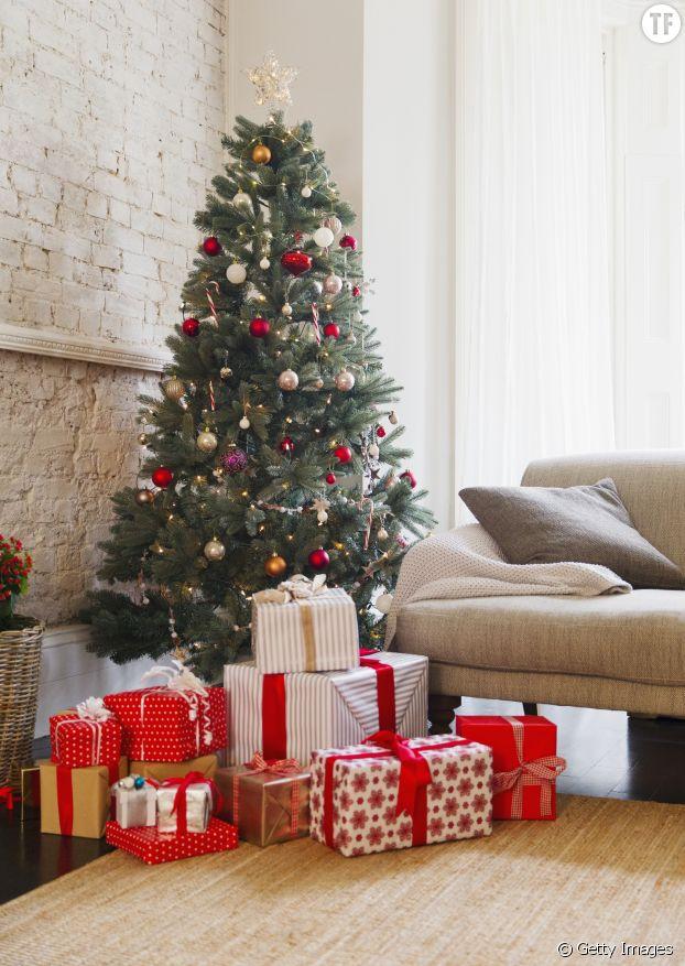 Sapin de Noël et sa fortesse de cadeaux