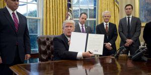 Donald Trump commence (déjà) à détricoter le droit à l'avortement