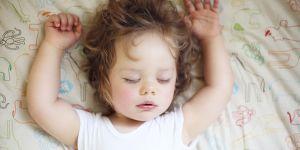 10 astuces pour que son bébé fasse (enfin) ses nuits