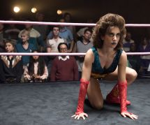 """""""GLOW"""" : 4 bonnes raisons de mater la nouvelle série à paillettes de Netflix"""