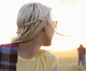 10 signes qui prouvent qu'il est un phobique de l'engagement (et comment réagir)