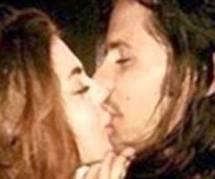 Frances Bean Cobain fiancée au  sosie de son père !