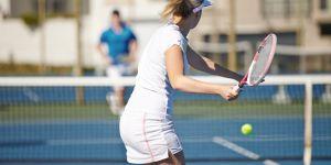 """Une étude juge """"dégradant"""" que les femmes jouent moins de sets que les hommes au tennis"""