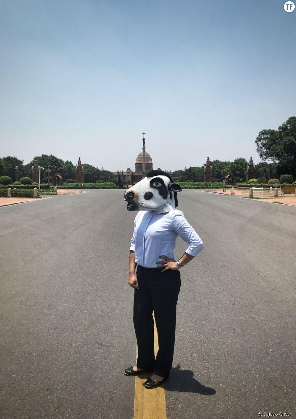 Des masques de vache pour dénoncer la violence contre les femmes indiennes