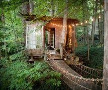 Cette maison dans les arbres est le spot le plus demandé d'Airbnb