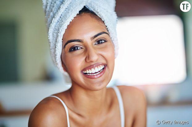 Cheveux séchés à la serviette