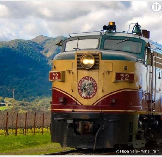Un voyage dans la Nappa Valley à bord d'un wagon-bar à vin