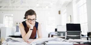 Les femmes salariées sont 50 % plus absentes que les hommes : voici la raison