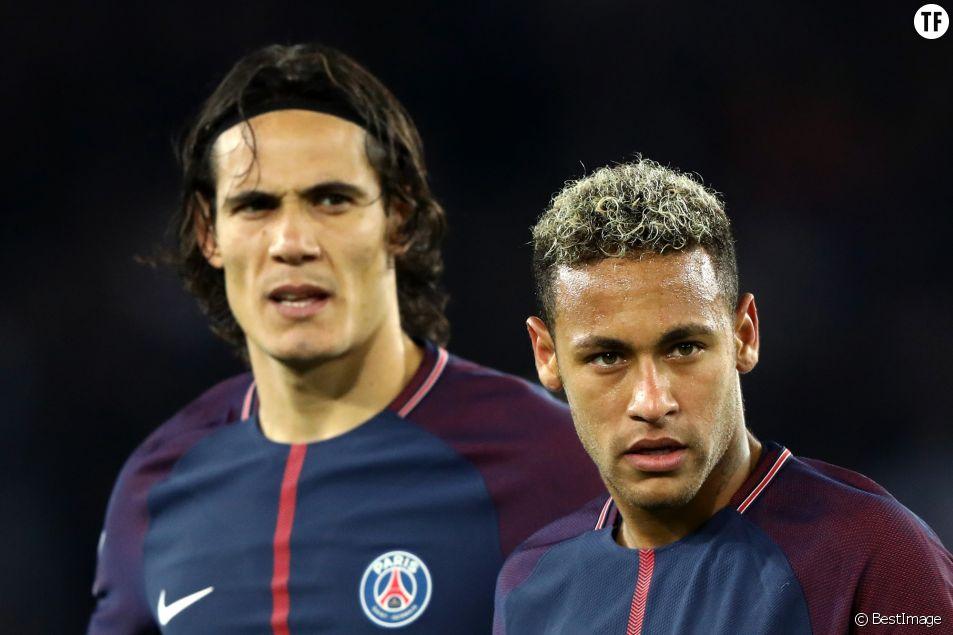Neymar Jr. et Edinson Cavani lors du match de Ligue 1 PSG - OL le 17 septembre 2017.